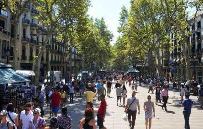 ถนนคนเดิน ลารัมบลาส – Las Ramblas ประเทศสเปน