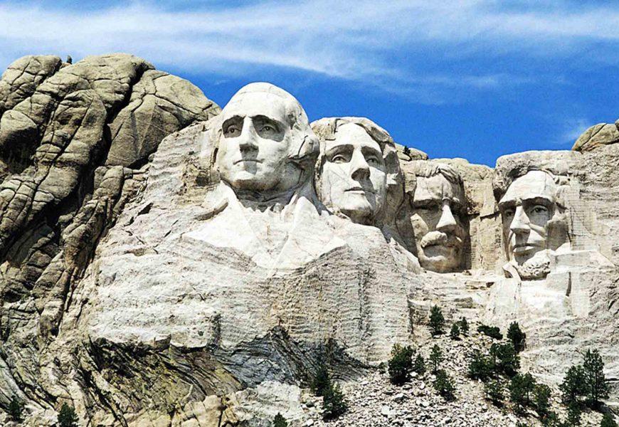 หน้าคน ริมผา ภูเขารัชมอร์ รัฐเซาท์ดาโกต้า อเมริกา